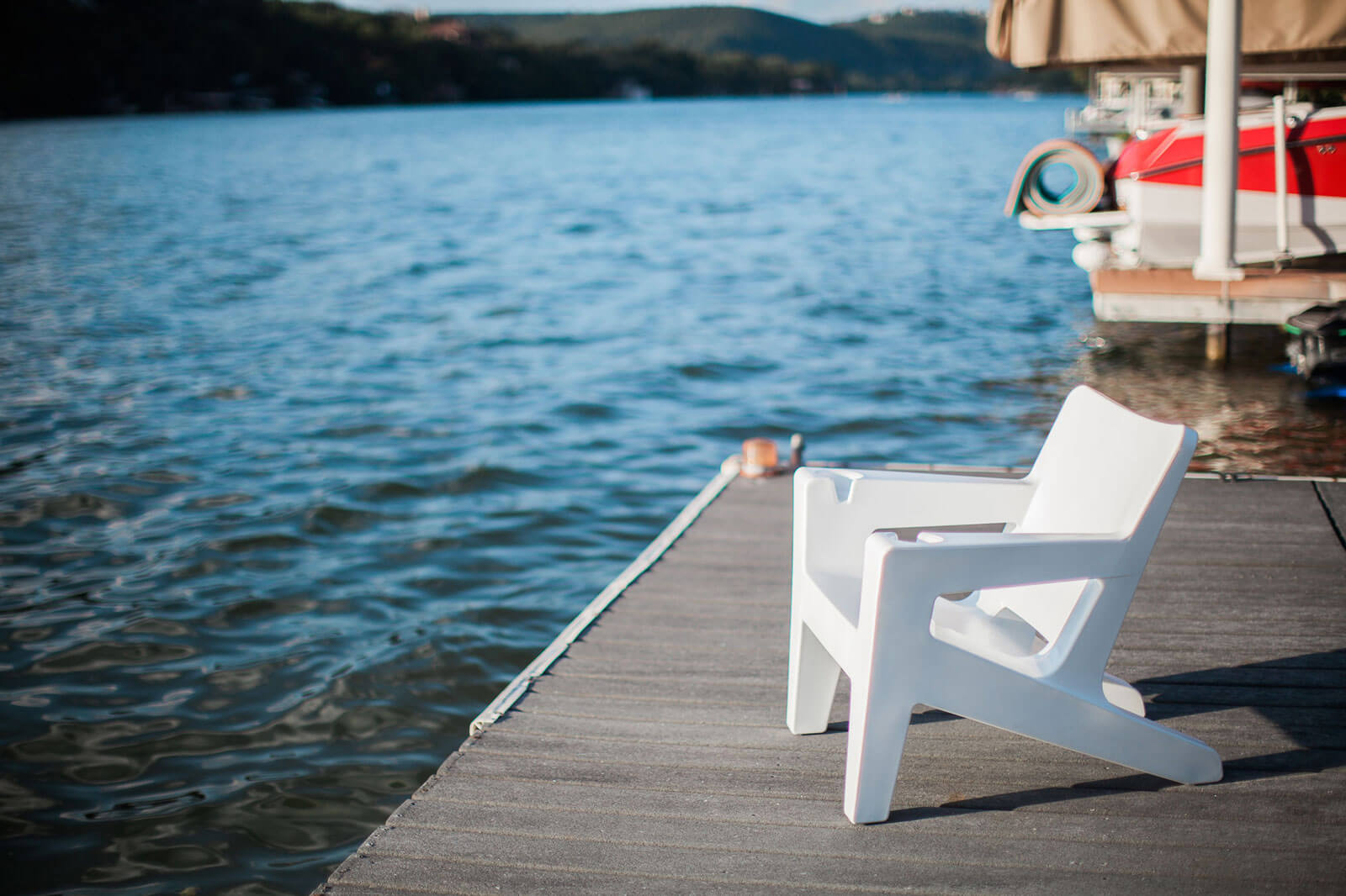 homeslider-outdoor-chair-lakeside